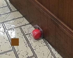 ドアストッパー Door Cube