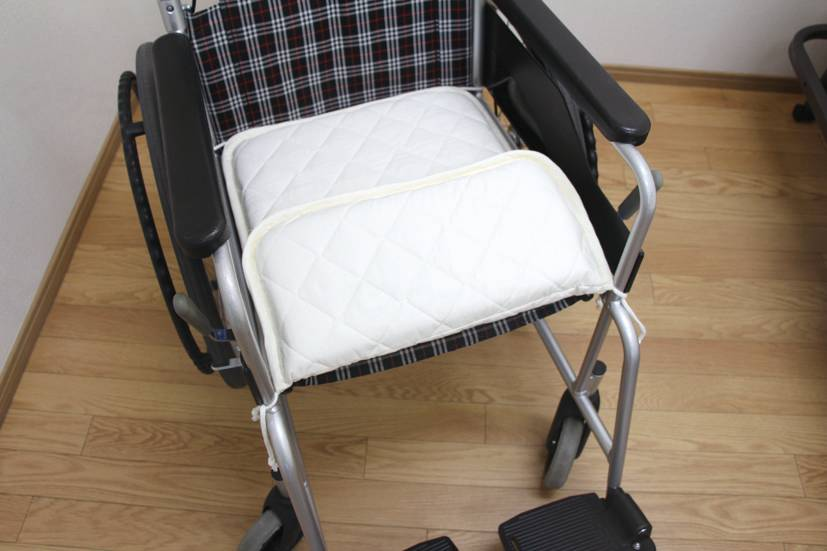消臭達人 車椅子用クッションの画像