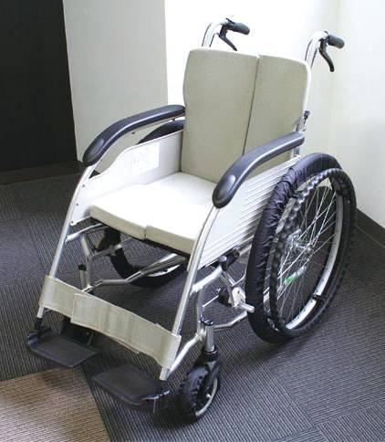自走用車椅子タイヤRAKUカバーの画像